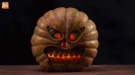 Hướng Nghiệp Á Âu - Nghệ Thuật Cắt Tỉa: Cắt tỉa bí ngô trang trí cho ngày Halloween