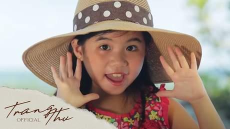 Bé Trang Thư - Vui Trong Nắng Hè