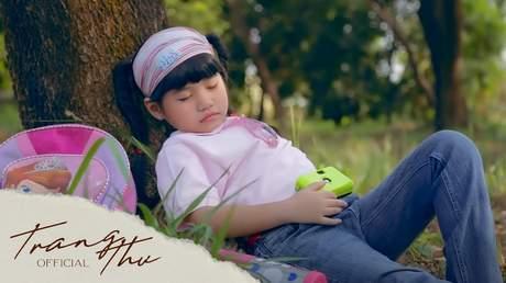 Bé Trang Thư - Nghe Tiếng Chim Hót