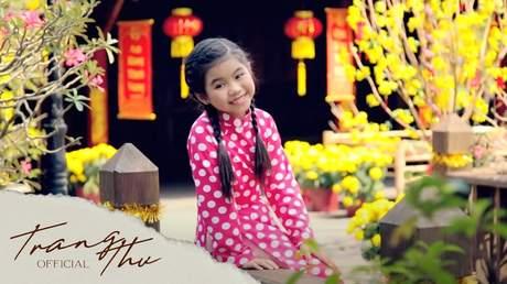 Bé Trang Thư - Mùa Xuân Em Hát