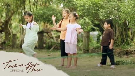 Bé Trang Thư - Là Con Gái