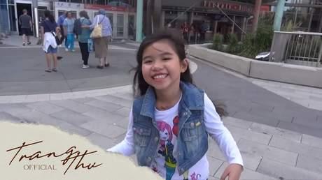 Bé Trang Thư - Cô Bé Tóc Xù