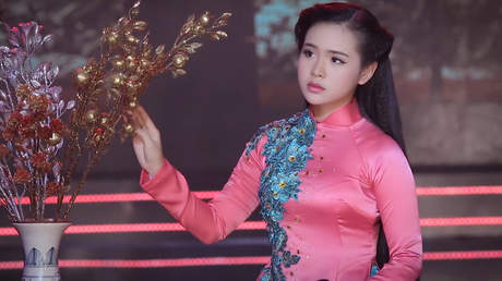 Tuyệt Đỉnh Bolero Vàng: Quỳnh Trang - Mưa Nữa Đêm