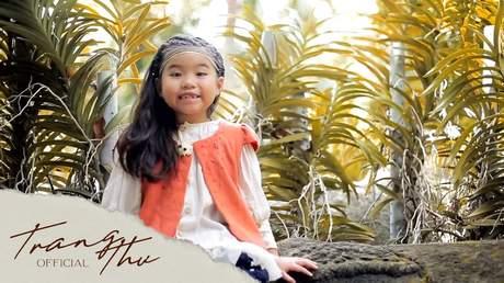 Bé Trang Thư - It's A Small World