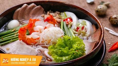 Hướng Nghiệp Á Âu - Vào Bếp Cùng Bếp Trưởng 5 Sao: Cách  nấu hủ tiếu Nam Vang ngon nhất