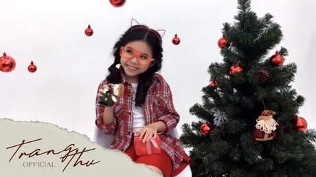Bé Trang Thư - Liên Khúc Noel