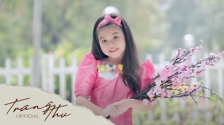 Bé Trang Thư - Hoa Của Mẹ