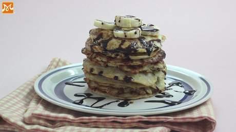 Hướng Nghiệp Á Âu - Học Làm Bánh Ngon: Cách làm bánh pancake chuối thơm ngon đơn giản
