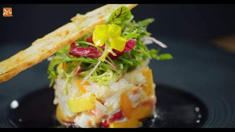 """Hướng Nghiệp Á Âu - Vào Bếp Cùng Bếp Trưởng 5 Sao: Bữa tối """"sang chảnh"""" với món cua alaska sốt salsa lạ miệng, kích thích vị giác"""