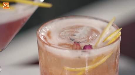 Hướng Nghiệp Á Âu - Học Pha Chế: Bí quyết pha chế purple love cocktail thơm nồng syrup hoa hồng