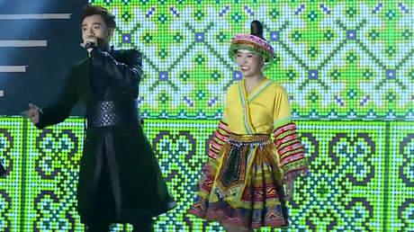 Ngô Kiến Huy x Hoàng Thùy Linh - Live Concert: Để Mị Nói Cho Mà Nghe